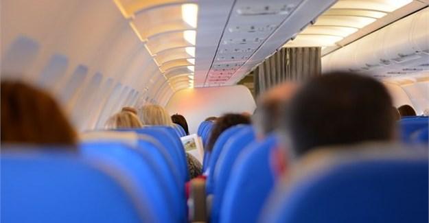 Kabin Pesawat Adalah Surganya Kuman, Inilah Cara Mereka Membersihkannya